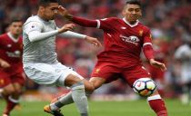 Manchester United arranca empate em Liverpool