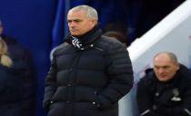Mourinho acha que título não escapa a Chelsea «muito defensivo»