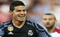 Real Madrid atropela Granada e continua colado ao Barcelona na liderança