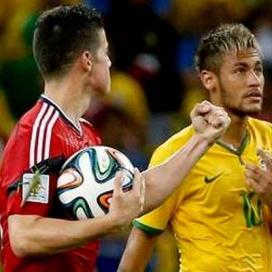 """Gafanhoto """"gigante"""" pousa em James após golo da Colômbia"""