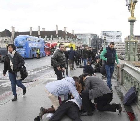Tiros junto ao Parlamento britâncio, vários feridos