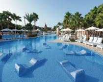 RIU reabre seus dois hotéis na ilha do Sal após reformas profundas